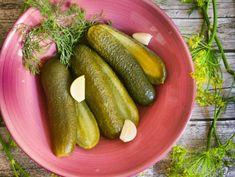 Kovászos uborka Pickling Cucumbers, Superfood, Zucchini, Vegan Recipes, Dishes, Vegetables, Hungary, Kitchen, Kitchens
