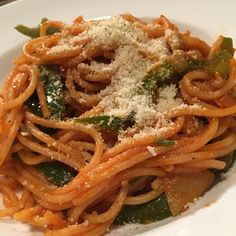 Spaghetti With Bell Peppers a la Chef dq I Foods, Spaghetti, Stuffed Peppers, Ethnic Recipes, Instagram, Stuffed Sweet Peppers, Stuffed Pepper, Noodle