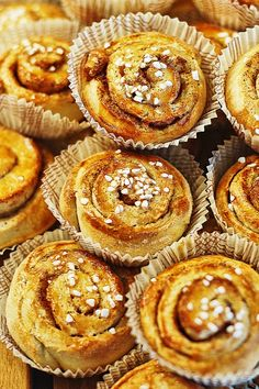 Bullar for fika hey, T maybe this is an easier recipe? Want to try it? @tetine