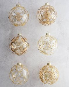 Make your Christmas tree sparkle with mouth-blown glass ornaments that reflect the grandeur and elegance of Biltmore®. This collection features Christmas balls, jumbo ornaments, and finials intricately hand-painted with golden details. Rose Gold Christmas Decorations, Glass Christmas Tree Ornaments, Christmas Trees, Christmas Balls, Elegant Christmas, Beautiful Christmas, Easy Ornaments, Gold Ornaments, Christmas Tree Inspiration