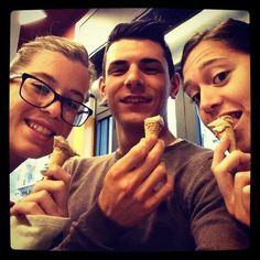 Le cose buone mettono allegria!  www.albertoandrea.it Ti aspettiamo nella Gelateria AlbertoAndrea a Nichelino in via Torino, 149! Gelati, granite, affogati, sorbetti, semifreddi e molto altro! Vieni a provare il gelato Buono, che non se la tira!