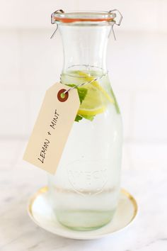flavored water with lemons and mint//