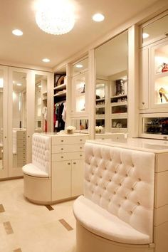 Think I finally found the perfect closet layout... now if only i knew somebody handy... ;)
