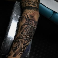 L6 Añadiendo al Dios egipcio @the.hope.barber.tattoo . ✨ #tattoo #tat2 #tatsoul #blackandgray #blackandgraytattoo #tattoos #tenerife #canaryislands #tatuaje #tenerifetattoo #inked #inktattoo #egipt tenerife,tat2,tattoos,blackandgray,tenerifetattoo,tatsoul,tatuaje,inktattoo,canaryislands,tattoo,egipt,inked,blackandgraytattoo Anubis Tattoo, Raven Tattoo, Tattoo Ink, Black Tattoos, Cool Tattoos, Awesome Tattoos, Tatuajes Tattoos, Egyptian Tattoo, Eye Of Horus