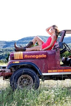 user jeep girls 08 04 17 600 122 Dirty hot Jeep chicks are back Photos) Trucks And Girls, Car Girls, Jeep Cj7, Jeep Jeep, Jeep Photos, Badass Jeep, Cool Jeeps, Senior Pictures, Senior Pics