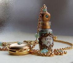 爱丽丝梦游仙境瓶和怀表项链