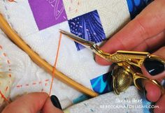 How to do Big Stitch Hand Quilting with Perle Cotton tutorial Quilting For Beginners, Sewing Projects For Beginners, Quilting Tips, Quilting Tutorials, Machine Quilting, Quilting Projects, Easy Hand Quilting, Hand Quilting Patterns, Easy Quilts