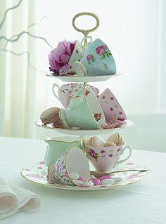 High Tea - reminds me of my royal albert tea set! Deco Pastel, Afternoon Tea Parties, Mid Afternoon, My Cup Of Tea, Vintage China, Vintage Teacups, Vintage Tea Rooms, Vintage Party, Vintage Dishes