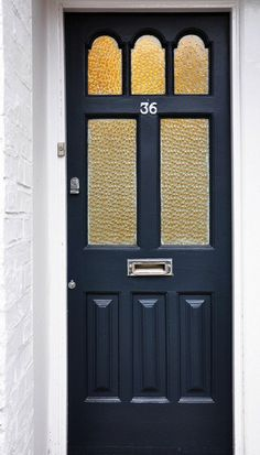 Front door in Farrow and Ball Railings Click through for The Best Gray Front Door Paint Colours on Modern Country Style Victorian Front Doors, Grey Front Doors, Painted Front Doors, Front Door Paint Colors, Front Door Decor, Paint Colours, Best Gray Paint, Grey Paint, Edwardian House