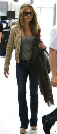 I really want to rock the simple t-shirt, jeans and jacket like J.A. She's amazing.