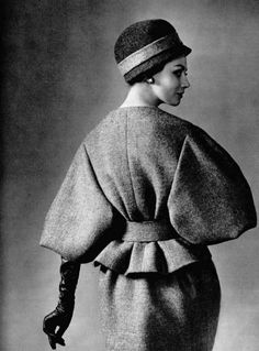 Katherine Pastrie in grey wool suit as seen from the back, by Nina Ricci (Crahay), photo by Georges Saad, 1959