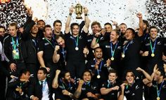 The ABs and their Cup - Page 20 - Rugby World Cup 2011 - Photo galleries - Yahoo! New Zealand Sport Rugby 7's, All Blacks Rugby Team, Nz All Blacks, Rugby Club, Rugby Teams, Rugby League, Rugby Players, Dan Carter, New Zealand Rugby