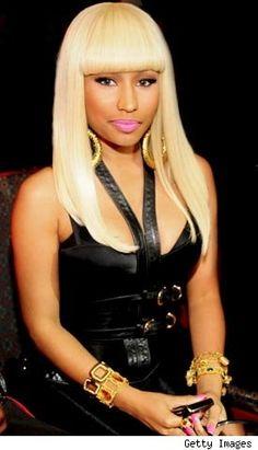 Nicki Minaj Hairstyle Platinum Blonde I love the way all her hair looks on her Celebrity Wigs, Celebrity Hairstyles, Saint James, Nicki Minaj Birthday, Hiphop, Nicki Minaj Hairstyles, Nicki Minaj Barbie, Nicki Minja, Bet Hip Hop Awards