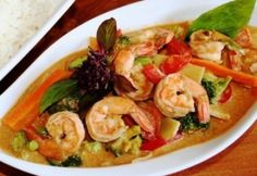 Wok, Thai Red Curry, Potato Salad, Shrimp, Paleo, Food And Drink, Chicken, Meat, Cooking