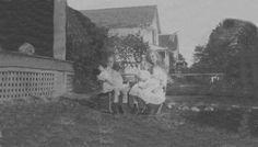 Sisters circa 1915
