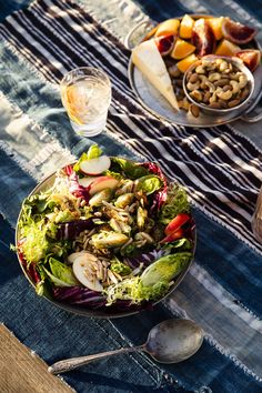 Crispy Brussels Sprouts Salad with Citrus-Maple Vinaigrettecountryliving Sprouts Salad, Brussel Sprout Salad, Brussels Sprouts, Best Thanksgiving Recipes, Thanksgiving Side Dishes, Salad Bar, Soup And Salad, How To Make Salad, Food To Make