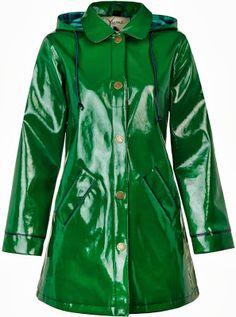 Yumi Shiny Green Rain Mac
