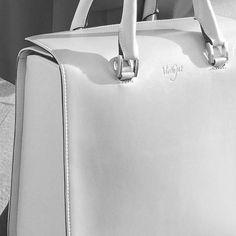 #OksanaCitybag #VirtuCugat  #fashion #bags #luxury #citybag #ootd www.virtucugat.com/oksana-citybag