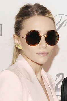8e7989416a CHIC JORDAN l sunglasses l ashley olsen l chic  twins Bowser