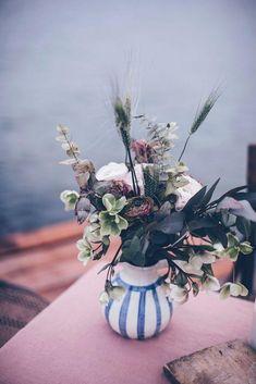Flower Bouquet - spring flowers - vintage vase Vintage Vases, Vintage Flowers, Vintage Table, House Plants Decor, Plant Decor, Wonderful Flowers, Nail Designs Spring, Spring Flowers, Planting Flowers
