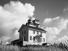 'Haunted' Yaquina Bay Lighthouse ~ Newport, Oregon.  Click for the full story on the 1874 disappearance of Muriel Travenard.