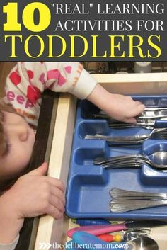 Children learn best when given the opportunity to learn naturally. Here are 10 simple real-world learning activities for toddlers. Easy and effective!