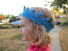 Make this cute crown with Lion Brand Bonbons! Get the free knit pattern by Just Crafty Enough!