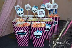 Livas crafts: Monster High Party - colored popcorn