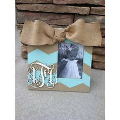 Items similar to Chevron picture frame hand painted with a monogram and burlap on Etsy Cute Crafts, Crafts To Do, Diy Craft Projects, Wood Crafts, Diy Crafts, Frame Crafts, Diy Frame, Rustic Frames, Ideas