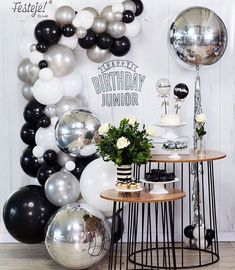 Wild One Birthday Party, Adult Birthday Party, First Birthday Parties, Birthday Party Themes, Birthday Balloon Decorations, Graduation Decorations, Birthday Balloons, Decoration Party, Black Balloons