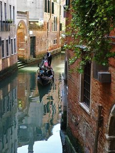 Travel Tips For Your Cycling Vacations In Italy Rome Travel, Italy Travel, Travel Photographie, Venice Painting, Living In Italy, Italy Holidays, Great Vacations, Visit Italy, Italy Vacation