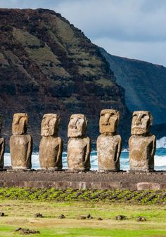 Ahu Tongariki, Easter Island, Chile - I would love to see these statues/sculptures in the country but I think that experiences the change in climate from the north side to the south end of the country would be a fun experience. Machu Picchu, Camping Places, Places To Travel, Oh The Places You'll Go, Places To Visit, Equador, Wanderlust, South America Travel, Backpacking South America