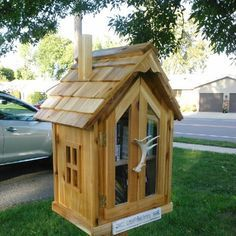 Little Free Library Little Free Library Plans, Little Free Libraries, Little Library, Mini Library, Library Books, Library Inspiration, Library Ideas, Lending Library, Library Images