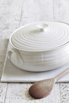 Dinnerware, Sophie Conran White Collection | White china | Pinterest ...