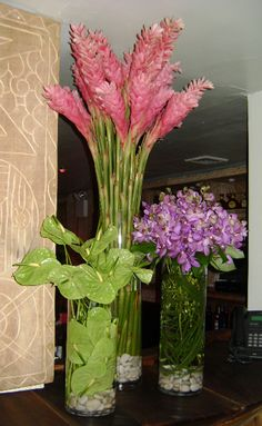 See our entire selection at www.starflor.com.  To purchase any of our floral selections, as gifts or décor, please call us at 800.520.8999 or visit our e-commerce portal at www.Starbrightnyc.com. This composition of flowers is generally available for same day delivery in New York City (NYC). TR051