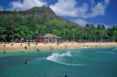 Honolulu and Oahu Travel Guide - Expert Picks for your Honolulu and Oahu Vacation Beach Vacation Spots, Oahu Vacation, Vacation Ideas, Best Places To Travel, Places To Go, Top 10 Honeymoon Destinations, Travel Destinations, Honolulu Oahu, Waikiki Beach