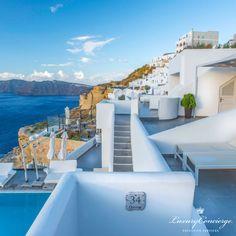Ιmmerse yourself in the beauty of one of the most unique islands of the world, while experiencing the luxury and tranquillity that Santorini Secret Suites & Spa has to offer. Book Now: http://luxuryconcierge-greece.com.gr/portfolio_page/santorinisecretsuitesspa/ #LuxuryConcierge #Santorini #SecretSuites ----- Αφεθείτε στην απλότητα και την ομορφιά ενός από τα πιο μοναδικά νησιά στον Πλανήτη βιώνοντας την πολυτέλεια και την ηρεμία του ξενοδοχείο Santorini Secret Suites & Spa! Δυνατότητα…