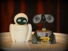 Items similar to Set 2 Robot Edible Cake Topper on Etsy Fondant Cake Toppers, Cupcake Toppers, Walle And Eva, Wall E, Robot, Unique Jewelry, Handmade Gifts, Etsy, Kid Craft Gifts