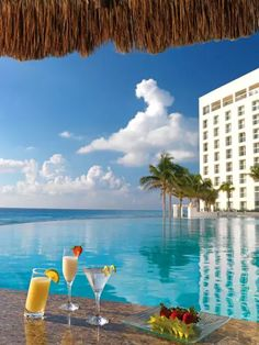 Le Blanc Spa Resort Cancun – All-Adults/All-Inclusive Resort has unlimited premium beverages including domestic alcoholic and non-alcoholic.