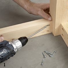 Attaching aprons to legs with pocket-hole screws- DIY Lowes Dining Set Build A Farmhouse Table, Build A Table, Make A Table, Woodworking Projects Diy, Diy Wood Projects, Furniture Projects, Woodworking Plans, Table And Bench Set, Diy Dining Table