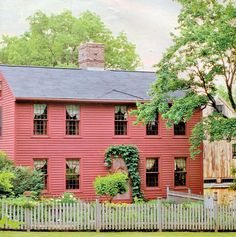 Salt box house....1700's???  I love this home would love to have one like it.