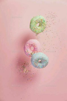 Sweet and colourful doughnuts with sprinkles falling or flying i by klenova. Sweet and colourful doughnuts with sprinkles falling or flying in motion against pastel pink background Whats Wallpaper, Food Wallpaper, Pastel Wallpaper, Flower Wallpaper, Wallpaper Backgrounds, Aesthetic Iphone Wallpaper, Aesthetic Wallpapers, Iphone Whatsapp, Pretty Wallpapers