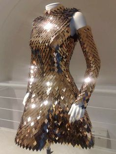 Scale maille dress #metallic #details #detail #bronze #maille #scale #fashion #dress