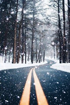 winter photography Winter iPhone Wallpapers - 28 C - photography Winter Photography, Nature Photography, Landscape Photography, Christmas Photography, Photoshop Photography, Photography Ideas, Travel Photography, Iphone Wallpaper Photos, Iphone Wallpapers