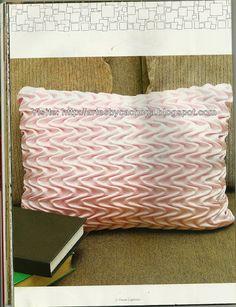 Artes by Cachopa: Almofada rosa quadrada - Movimento em ondas