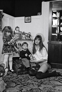 Jane Birkin at home with daughters Kate and Charlotte