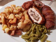 Töltött gombás borda, annyira finom lett, mintha egy mesterszakács készítette volna! Sausage, Meat, Chicken, Ethnic Recipes, Food, Sausages, Essen, Meals, Yemek