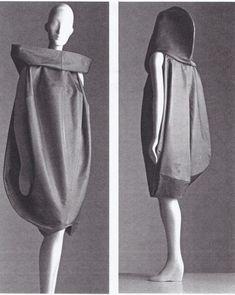 Платье-кокон американского дизайнера Изабель Толедо (Isabel Toledo) из коллекции весна 1998