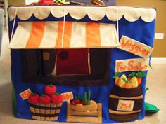 felt love the fruit/veggie stand Pvc Playhouse, Card Table Playhouse, Playhouse Ideas, Kids Tents, Teepee Kids, Teepees, Craft Projects, Sewing Projects, Table Tents