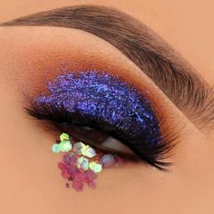 """Obsessed with all types of glitter 😩 4 Cream Gel Brow Color Glitter in """"Echnopagan"""" lashes in… Occ Cosmetics, Benefit Cosmetics, Eyeshadow Looks, Makeup Eyeshadow, Buy Makeup Online, Cloud Costume, Brow Color, Colour, Glitter Makeup"""